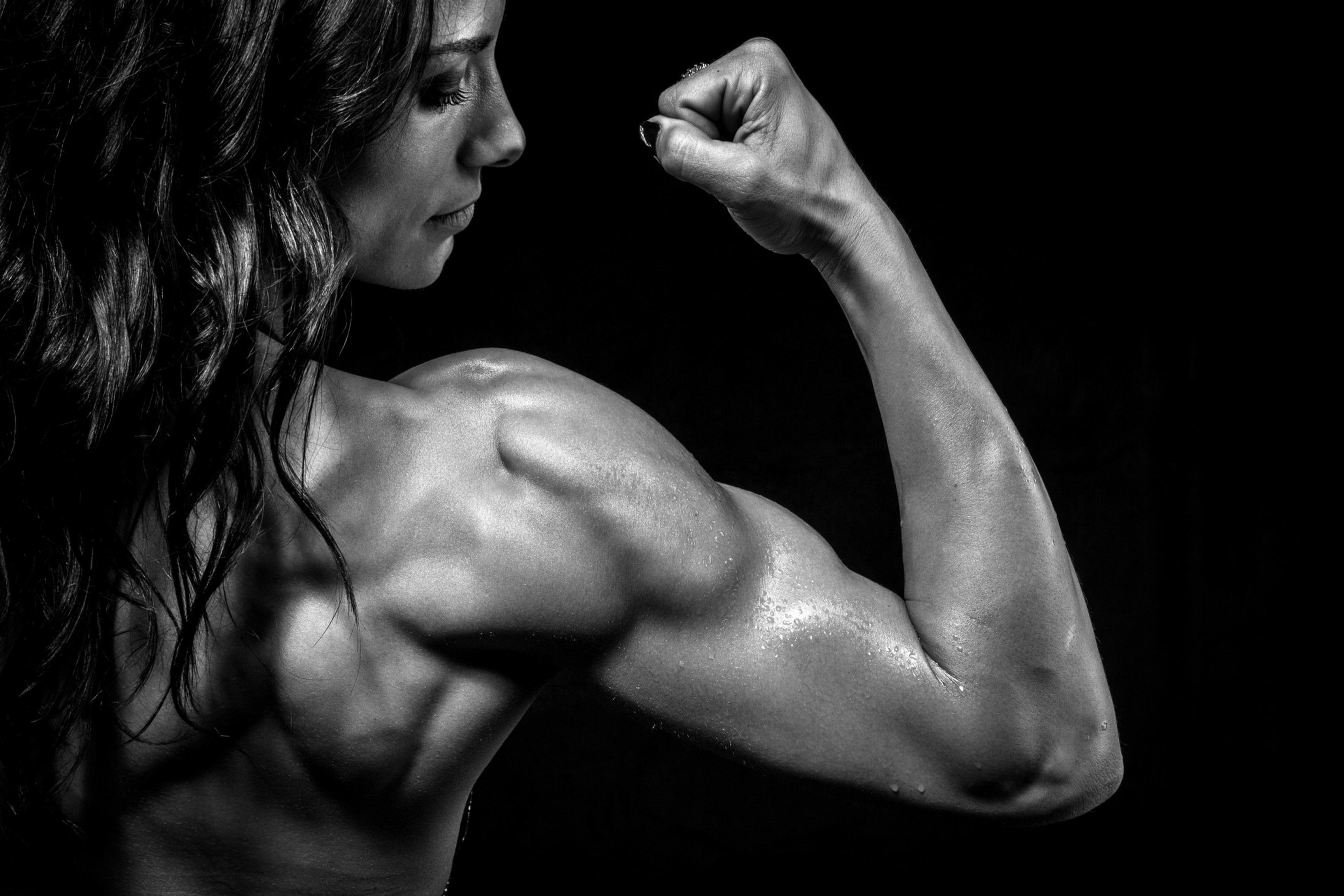 Трахает мускулистую бабу смотреть, Мускулистые женщины трахаются 1 xxx TV 15 фотография